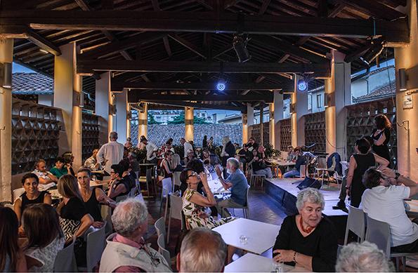Un aperitivo con Brunelleschi alle Oblate di Firenze. FlorenceCity ...