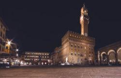 Tutta la storia di Firenze, nel girotondo di Piazza Signoria